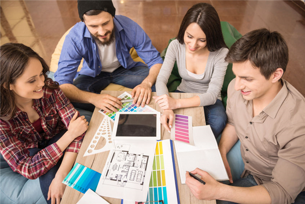 The Advantages of Using Professional Graphic Designers for Brand Awareness